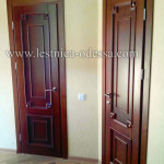 Изготовление и установка лестниц, дверей, плинтусов, беседок, террас и прочего в г. Одесса. Дверь с накладками. Материал: ольха (массив)