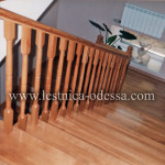 Лестница деревянная из дуба