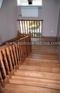 Двумаршевая прямая лестница