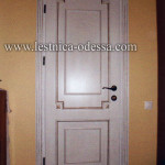 Дверь межкомнатная, глухая с накладками