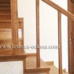 Предлагаем: изготовление и установку деревянных лестниц в г. Одесса. Дубовая лестница на второй этаж