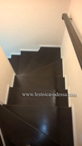 Лестница из дуба Изготовление и установка деревянных лестниц в Одессе